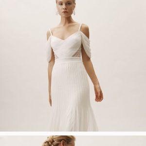 Ivory Lace Wedding Dress (Tadashi Shoji) Size 4